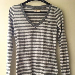 NWT Hollister Grey Striped V-Neck Shirt